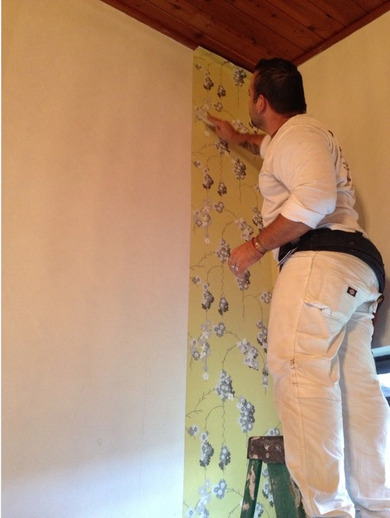 Avoid These 5 Mistakes When Hanging Wallpaper